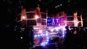 暗闇のマンハッタンに浮かぶハラルフードの屋台
